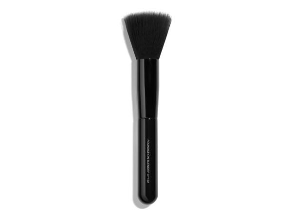 Chanel Pinceau No. 7 Blending Foundation Brush